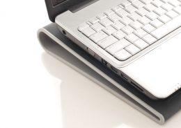 Jaka podstawka pod laptopa? Jak wybrać?