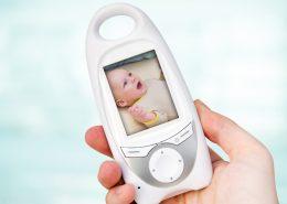 Jak działa elektroniczna niania z monitorem oddechu?