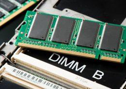Jak zwiększyć pamięć RAM w laptopie