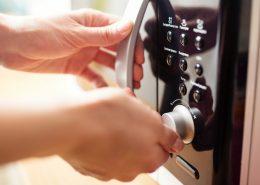 Gotowanie na parze w mikrofali – czy warto?